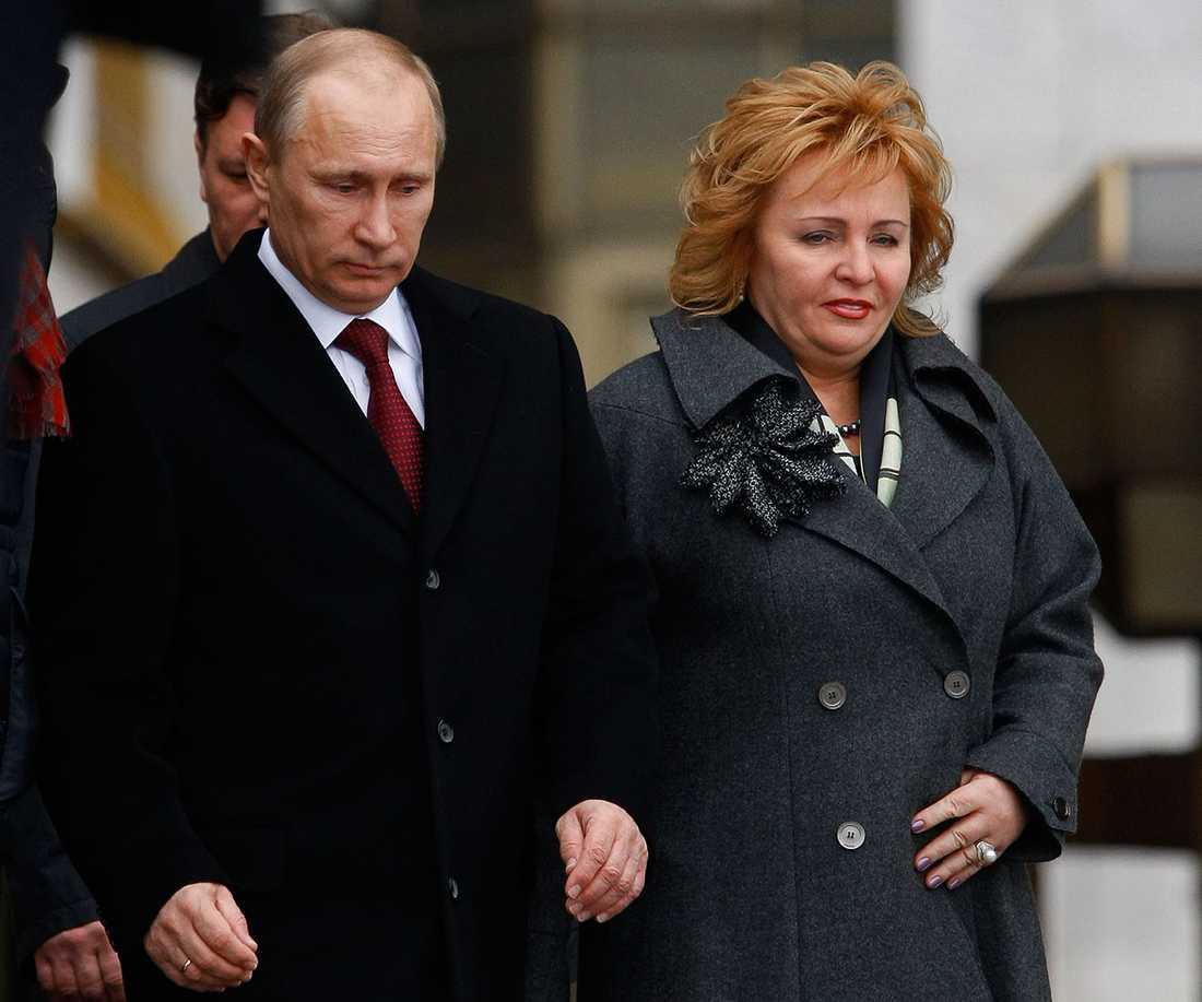Vladimir Putin med sin dåvarande fru Ljudmila 2012.