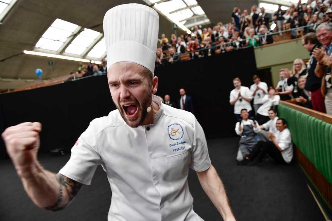 David Lundqvist lagar till vardags mat på Grand Hotel i Saltsjöbaden.