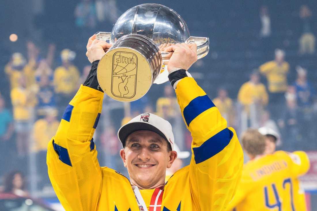 Mikael Backlund tog VM-guld med Tre Kronor med C på bröstet