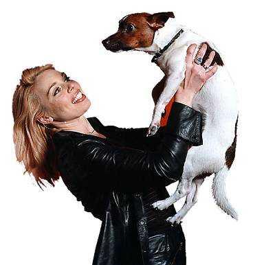 Michaela de la Cour med Playboy, en jack russell.
