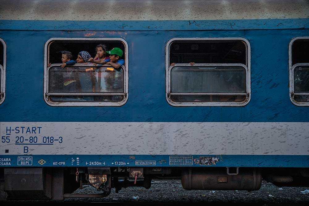 Ett sista tåg rullar mot gränsen till Österrike.