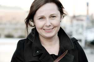Ingrid Hedenvind-Brask , 43, informatör på Centerpartiet, fick ett stipendium av deckarförfattaren Camilla Läckberg i form av en skrivarkurs.