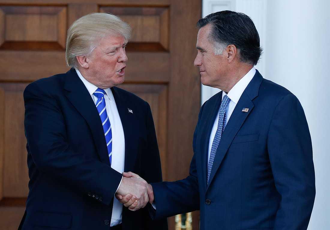 Donald Trump och Mitt Romney, som enligt uppgift är aktuell för jobbet som utrikesminister.