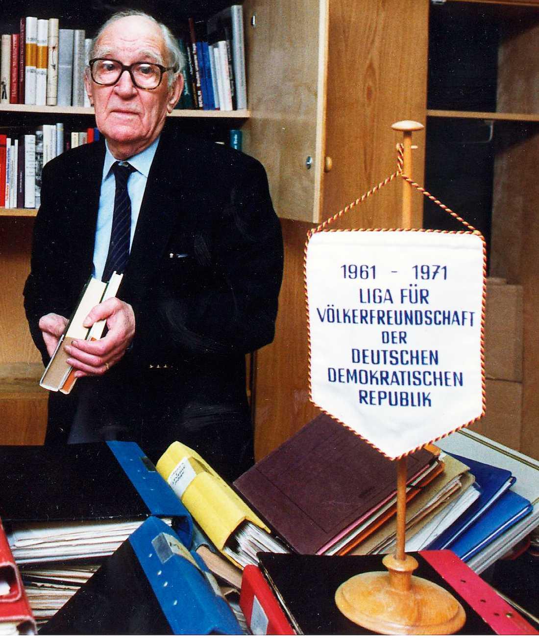Östkramaren Stellan Arvidson (1902–1997) var ordförande i Föreningen Sverige-DDR. Foto: TT