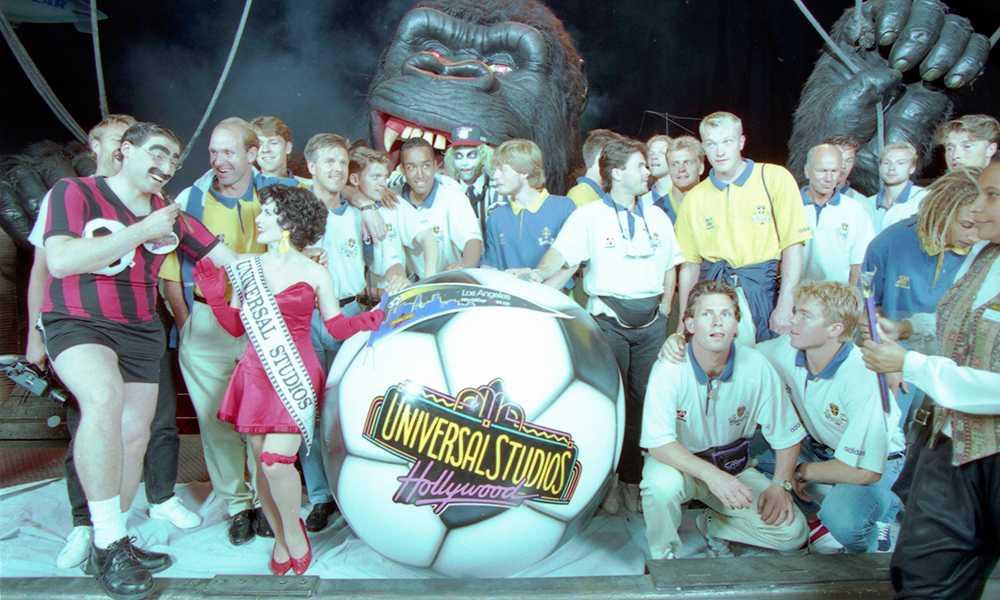 Före VM-premiären i Los Angeles hinner landslaget med ett besök på Universal Studios.