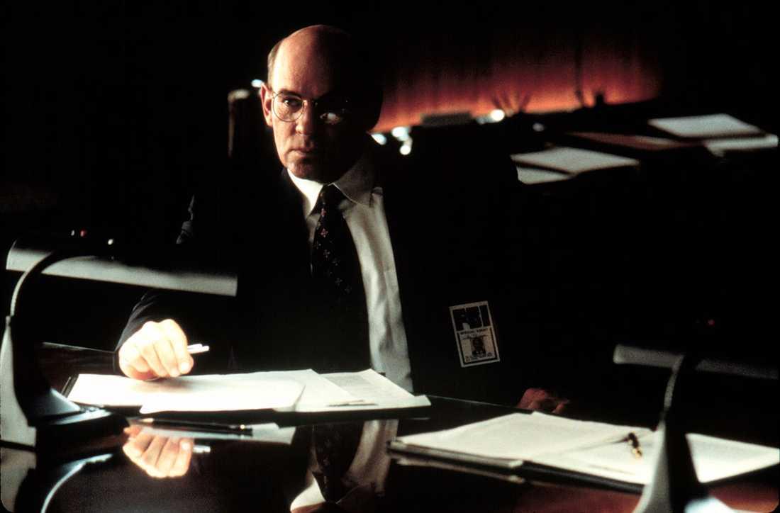 Mitch Pileggi som Agent Skinner.