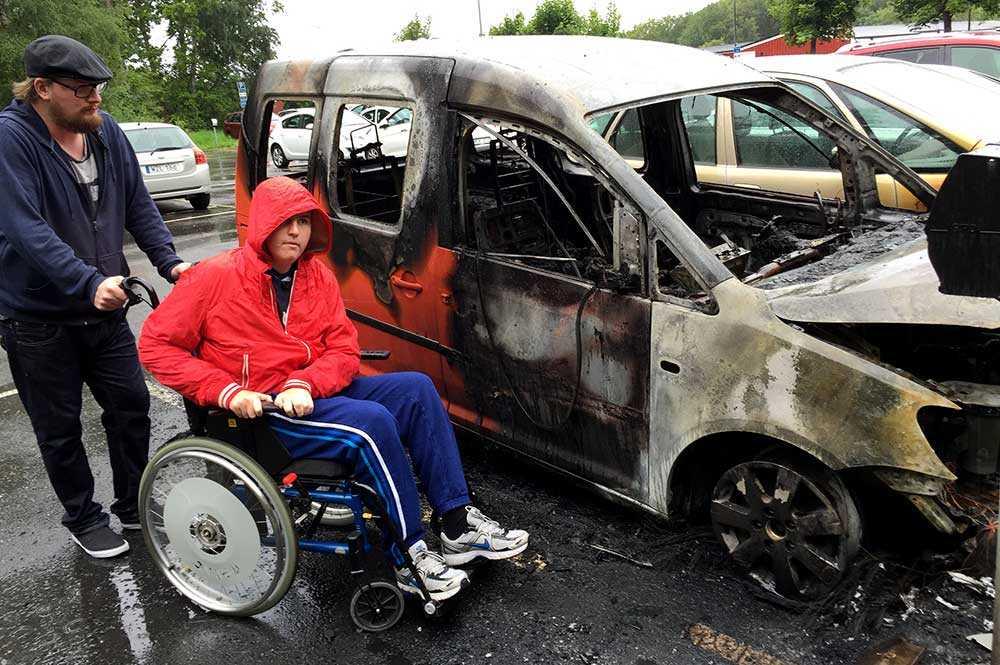 Daniel Rahms specialanpassade bil tog åtta månader att få klar. I helgen totalförstördes den.