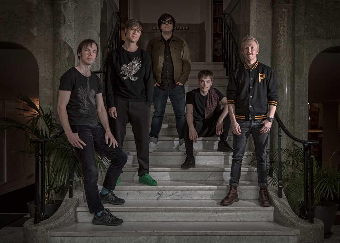 Mando Diao 2017 består av Björn Dixgård, Daniel Haglund, Carl-Johan Fogelklou, Patrik Heikinpieti och Jens Siverstedt.