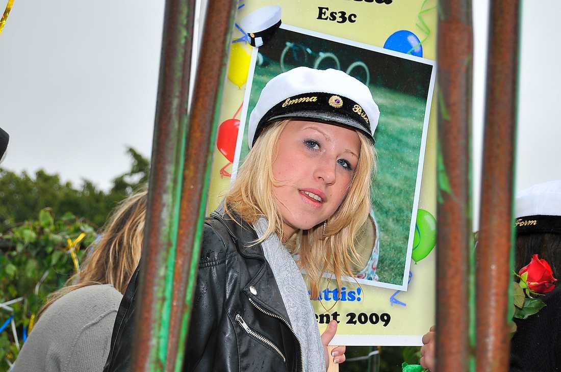 Emma tog studenten på våren 2009, några månader innan hon misshandlades.