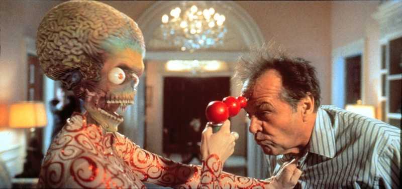 Mars Attacks. Jack Nicholson i kamp med en marsian i Tim Burtons film.
