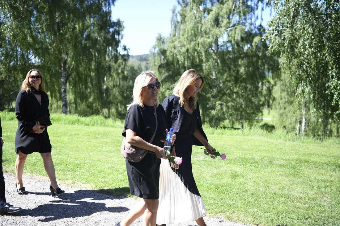 Pernilla Wahlgren och Jessica Wahlgren.