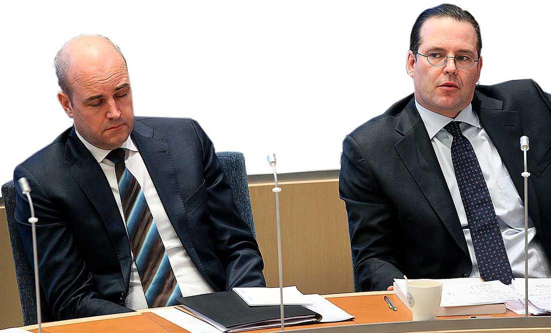 Regeringen en förlorare Fredrik Reinfeldt och Anders Borg har tvingats acceptera att deras politik saknar stöd.