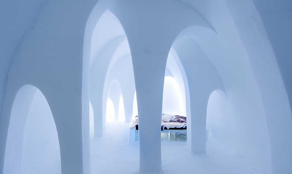 """Lyxsvit på Icehotel. """"Flying Buttress"""" är skapad av AnnaKatrin Kraus och Hans Aescht."""