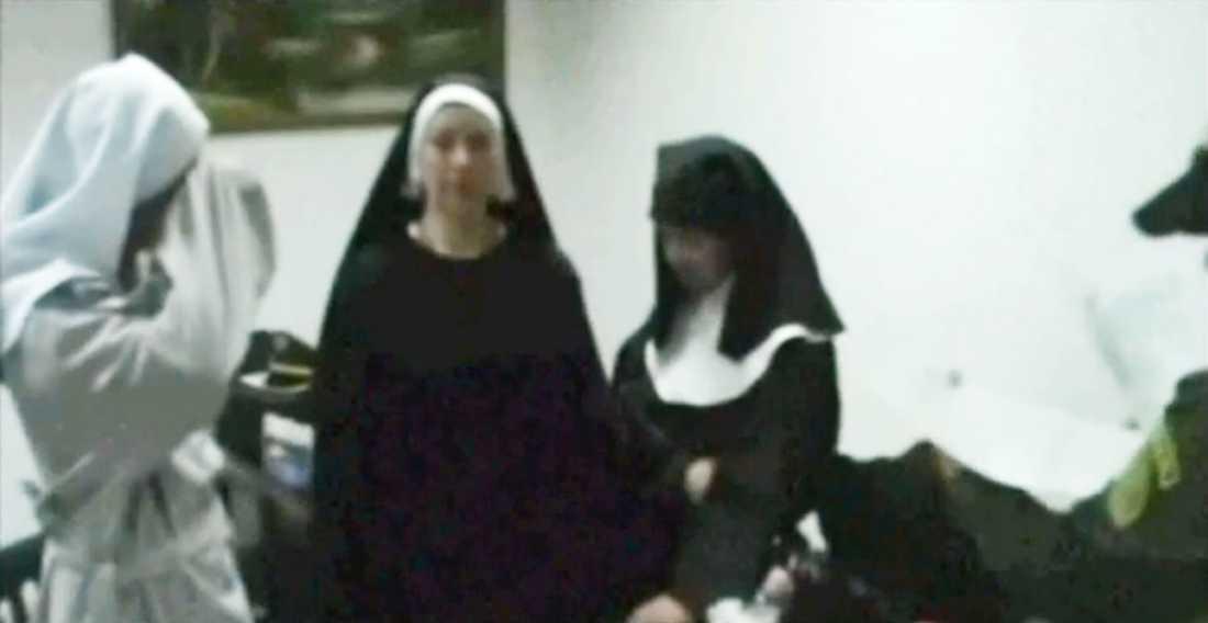 De falska nunnorna stoppades på den colombianska semesterön Sand Andres