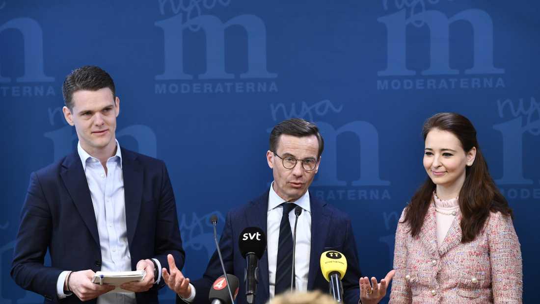 Christofer Fjellner, Modearternas partiledare Ulf Kristersson, Alice Teodorescu presenterar direktiv till Moderaternas nya idéprogram under en pressträff på partikansliet i Stockholm.