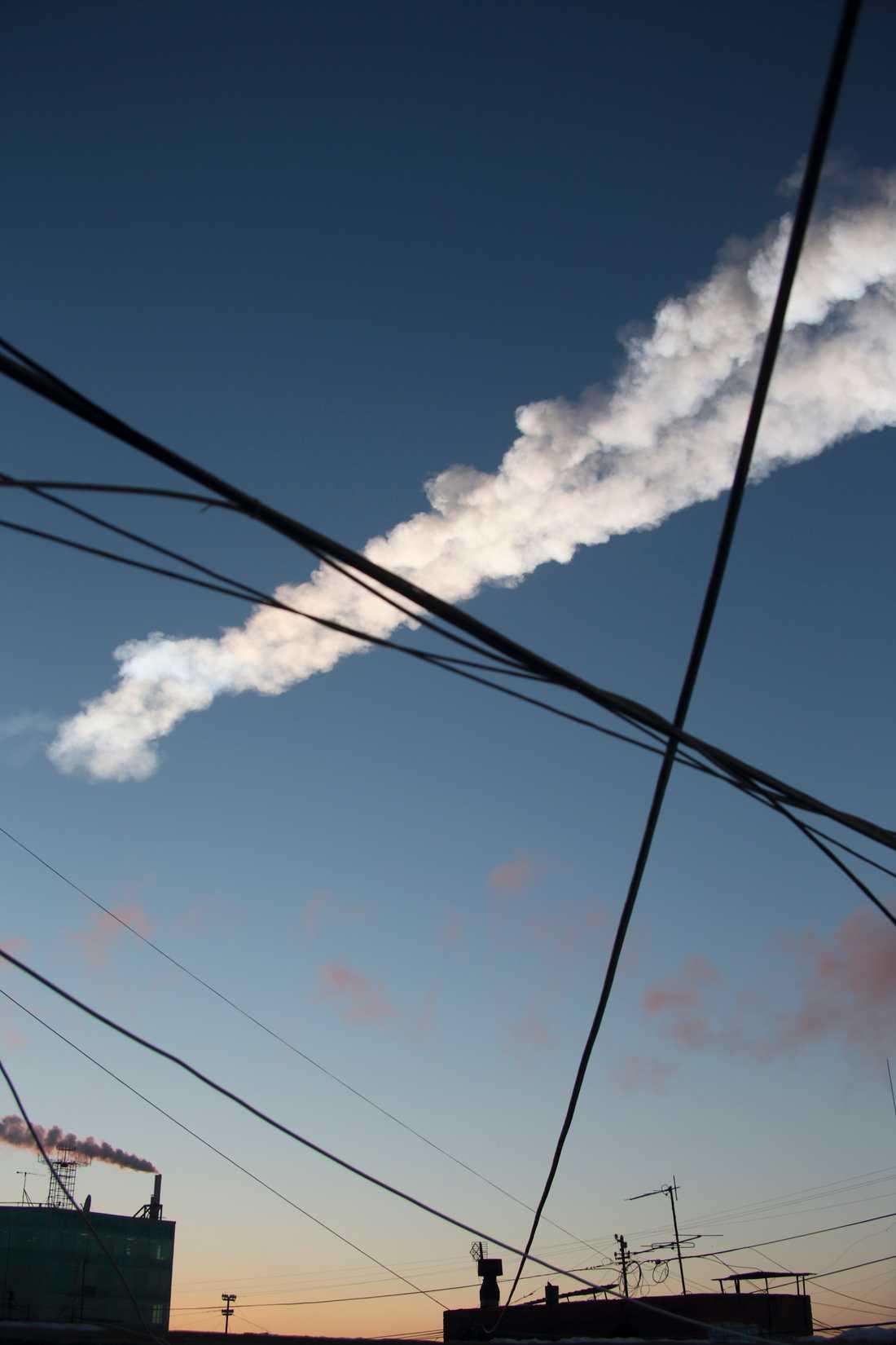 Spåret efter att meteoriten rusat förbi.
