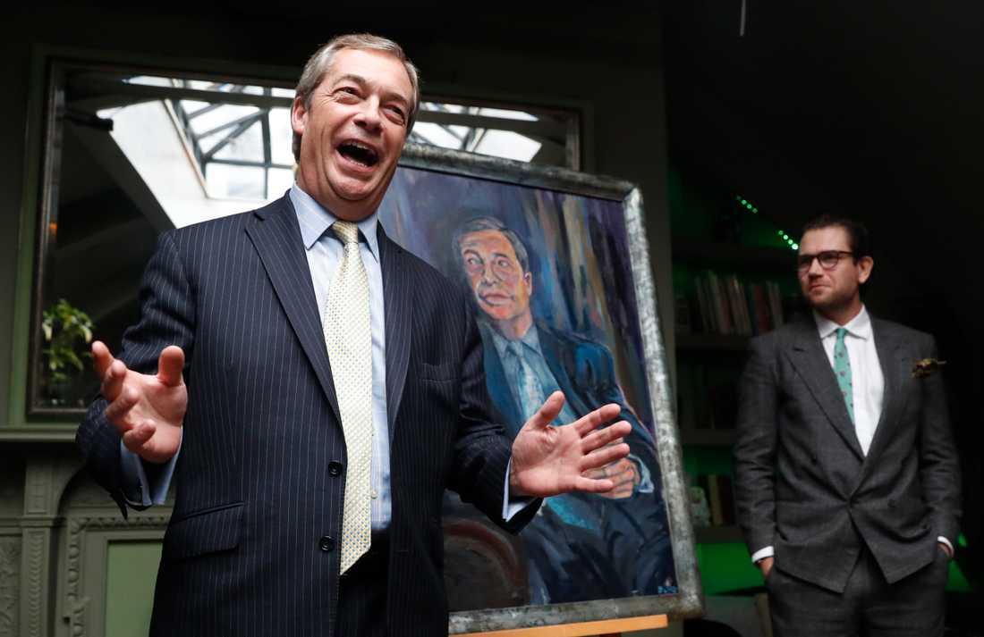 Nigel Farage kommer fira på Parliament Square med en nedräkning till 23.00, klockslaget britterna formellt lämnar EU.