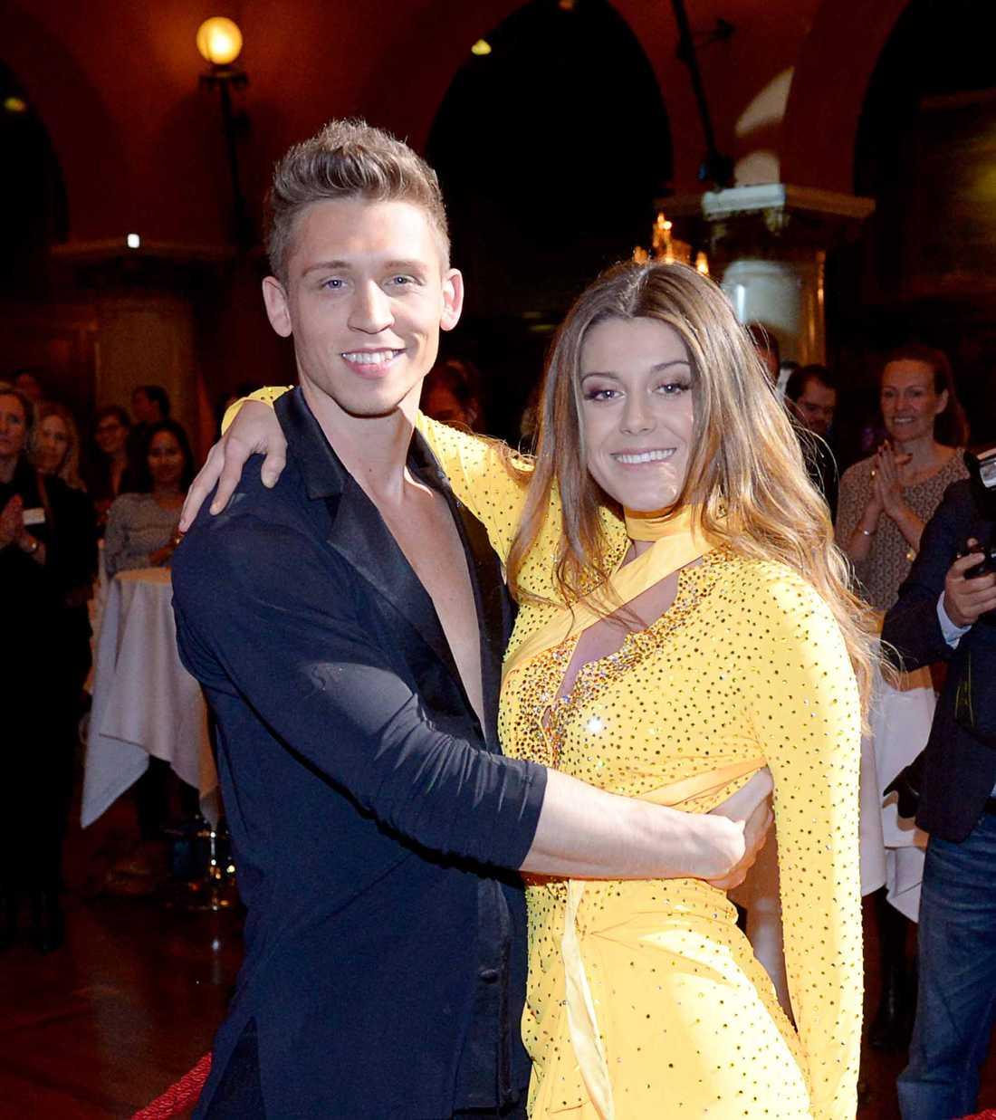 """Bianca Ingrosso dansar med Alexander Svanberg i """"Let's dance"""" 2016."""