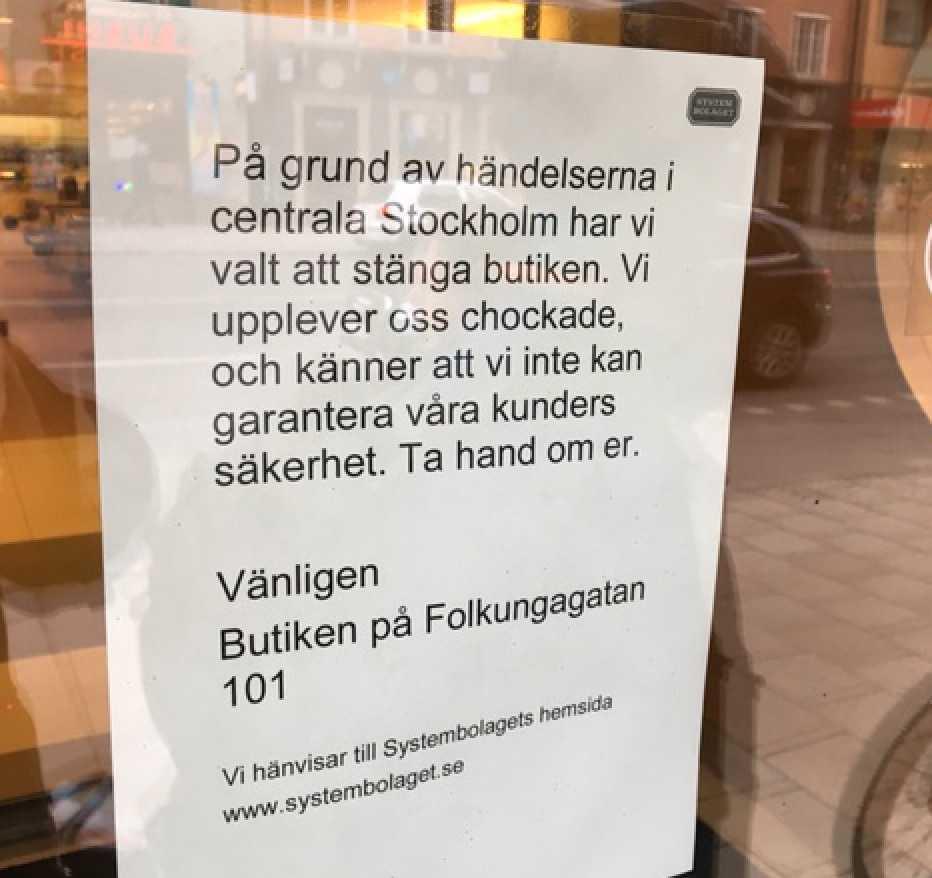 På Södermalm stängdes ett Systembolaget – inte att stå upp mot terrorn, enligt Virtanen.