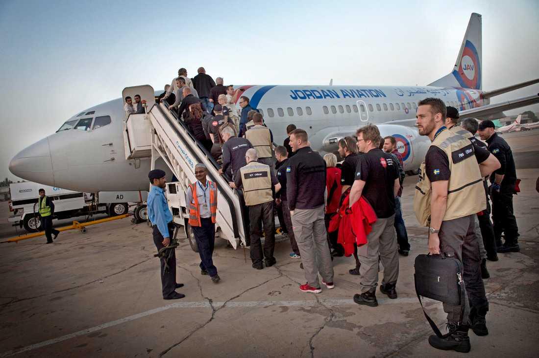 Svensk hjälp anländer till Nepal.