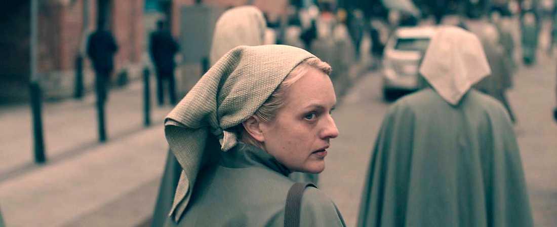 """I går började varv nummer tre av tv-serien """"The handmaid's tale"""" med  Elisabeth Moss  i huvudrollen."""