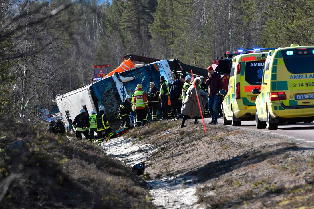 På onsdag inleds rättegången chauffören som körde olycksbussen. Vid olyckan omkom tre personer och 38 skadades. Bara en person av dem som omkom eller fick allvarliga skador använde bälte i bussen. Arkivbild.