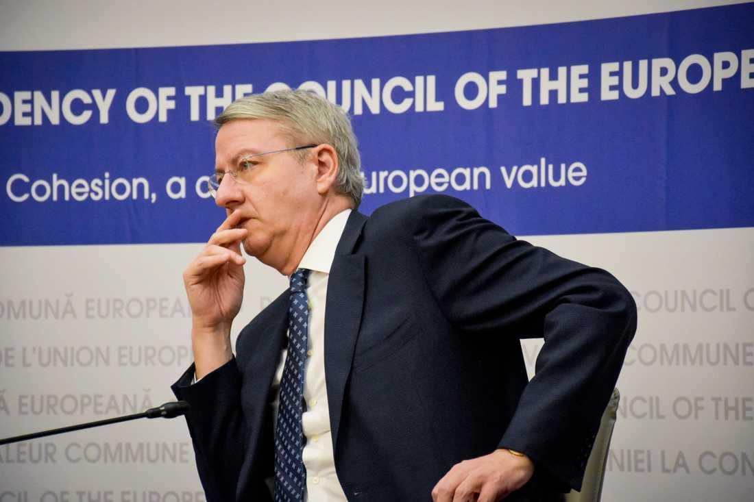 Rumäniens EU-minister George Ciamba får ta emot många kritiska frågor inför landets ordförandeskap i EU.