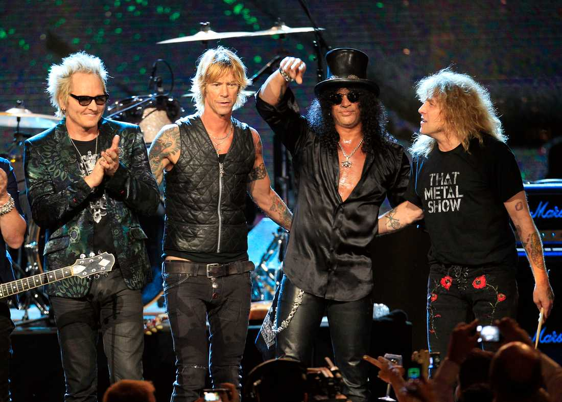 Matt Sorum, Duff McKagan, Slash och Steven Adler.