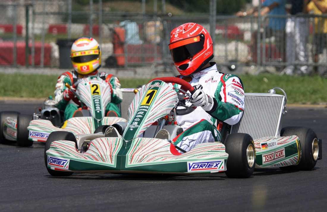 2009 Här har Schumacher bytt ut F1-bilen mot att köra Karting.