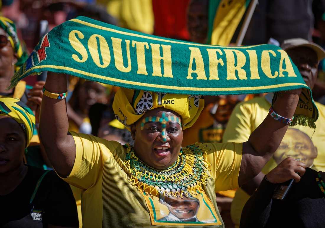 Anhängare till regeringspartiet ANC på ett av de sista stora valmötena inför det sydafrikanska parlamentsvalet i onsdags.