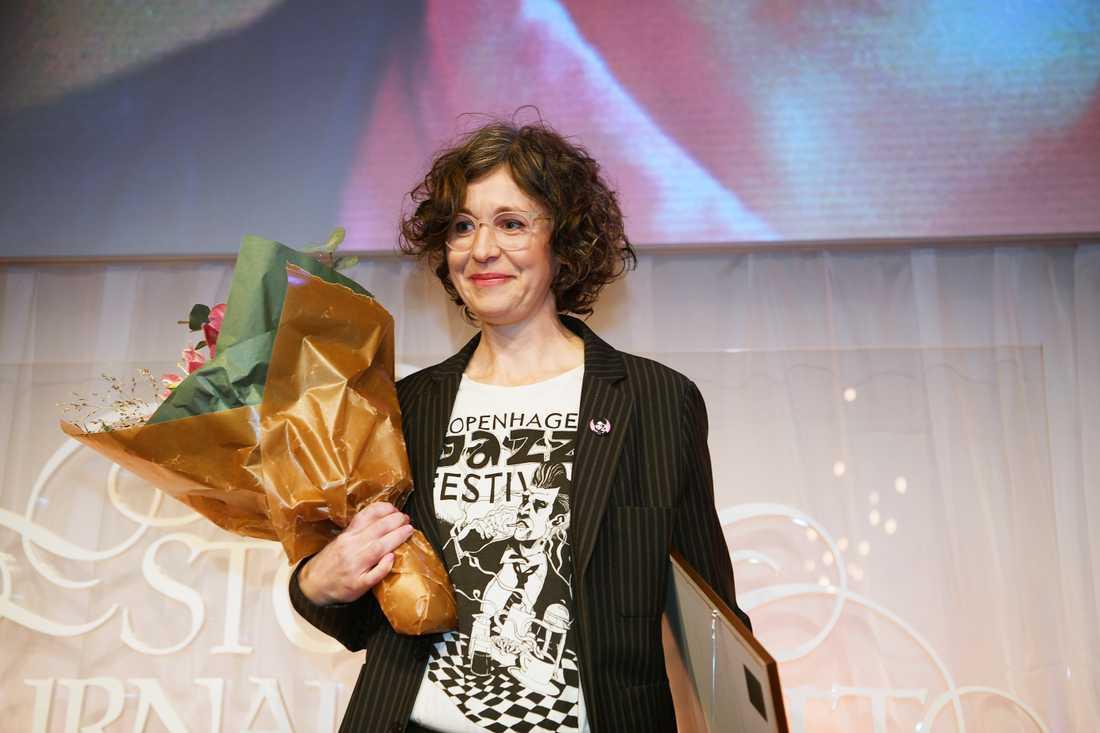 Jenny Svenberg Bunell tar emot priset som Årets förnyare.