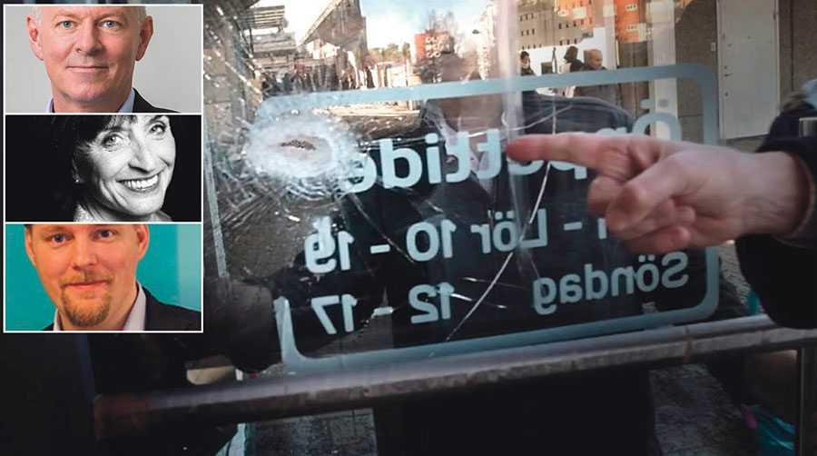 """Skotthål i en butiksdörr i en av Stockholms förorter. """"Frustrationen är tydlig bland företagare när löften om trygghet blir svikna"""", skriver Thomas Byström, Rose-Marie Danielsson och Günther Mårder."""