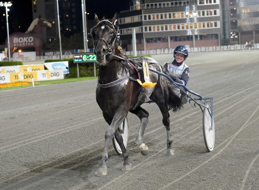 Vinnaren fick med jätteskrällen Stern i V86-2 med Alice Engström i sulkyn.