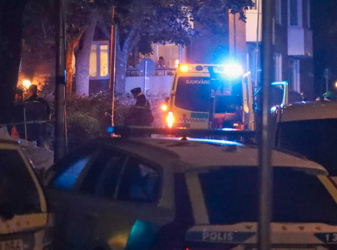 Polisen på platsen där skottlossningen ägde rum i Nacka. Arkivbild.