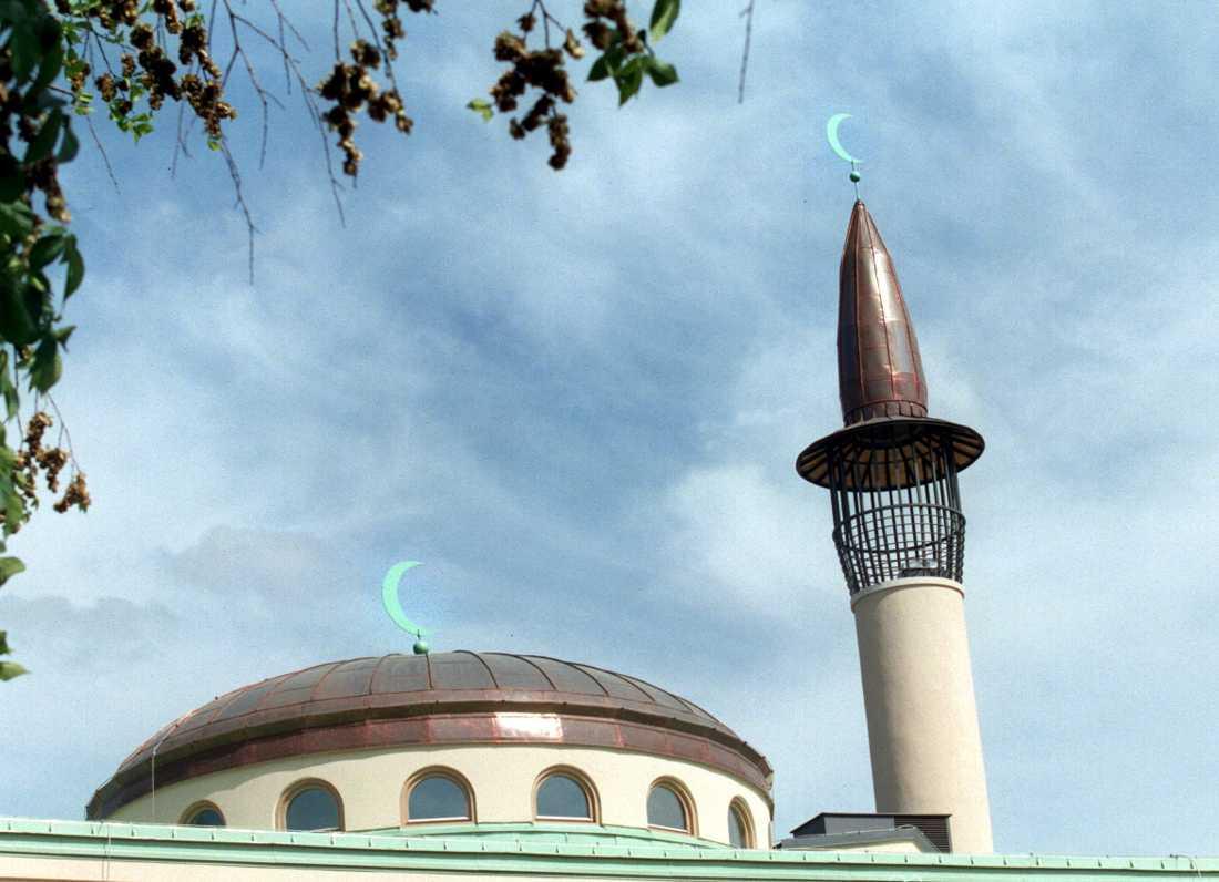 En majoritet vill att muslimska böneutrop ska förbjudas, enligt en Sifoundersökning. Arkivbild från moskén på Södermalm i Stockholm.