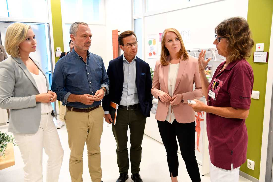 Alliansens ledare besöker vårdcentral i Uppsala