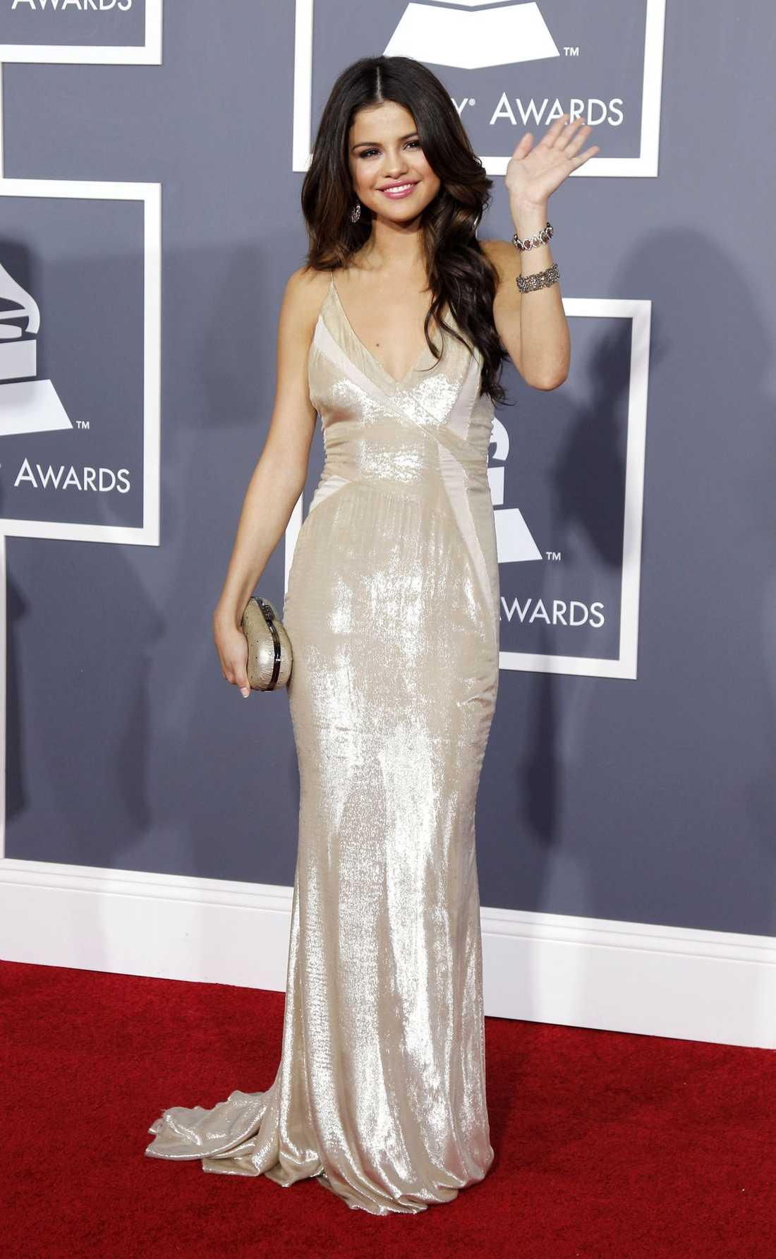 Selena Gomez var sexigt elegant i sin klänning från J. Mendel.
