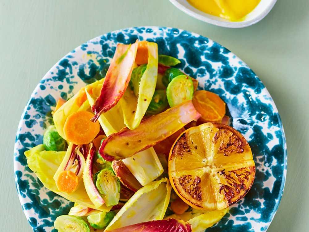 Endive, brysselkål och morötter med morotskräm