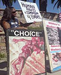 Howard Putnam, 49, åker runt och demonstrerar mot abort – varje lördag.