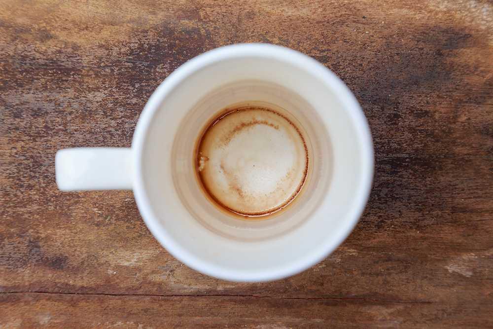 Missfärgad kaffekopp