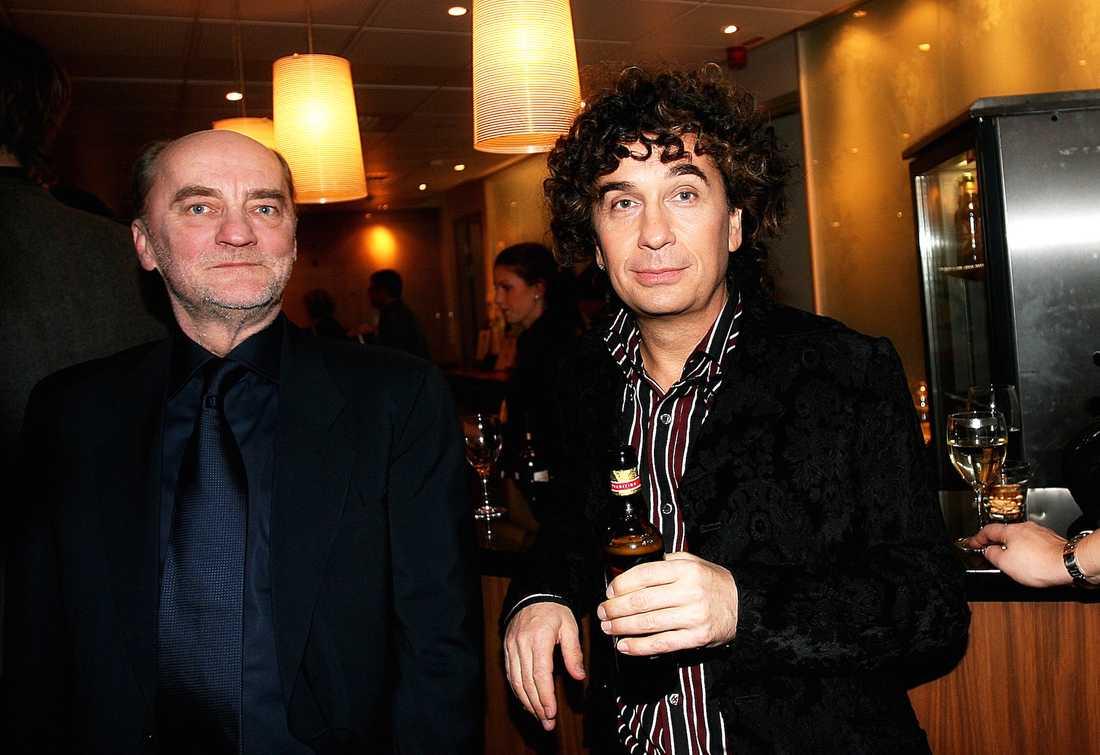 """Anders """"Henkan"""" Henriksson tillsammans med Magnus Uggla under Melodifestivalen 2007."""