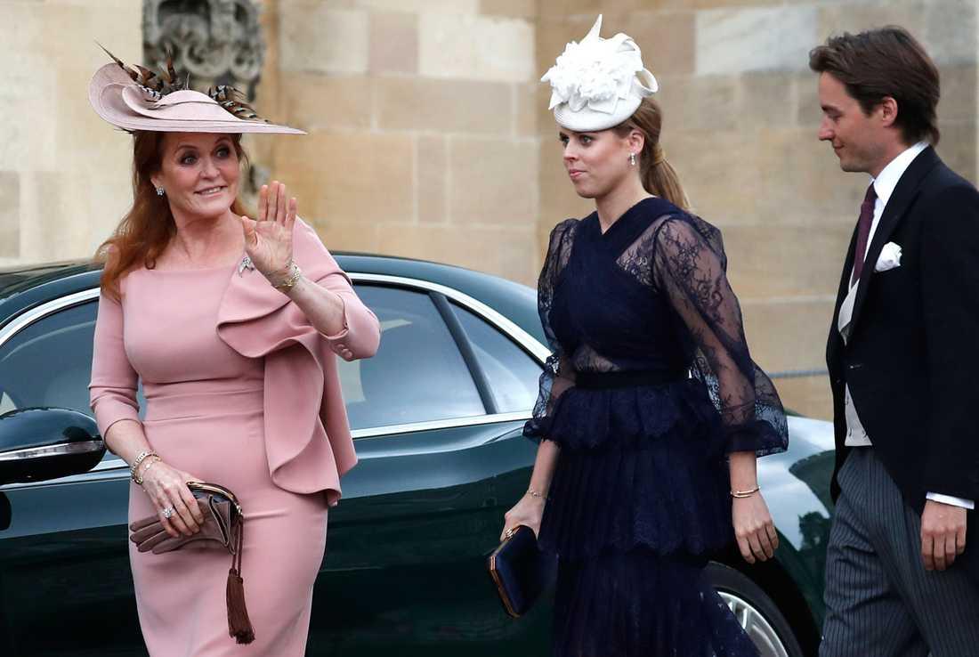 """Prinsessan Beatrice med sin """"Edo"""" på bröllop tidigare i år."""