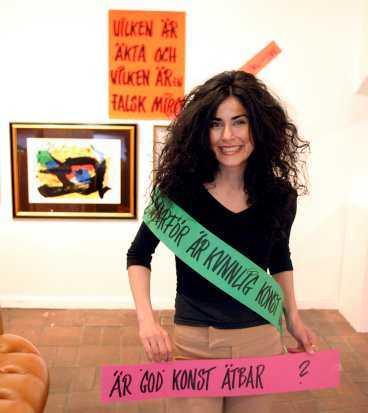 Konstnären Maloosak ställer frågor om konsten egentliga värde.