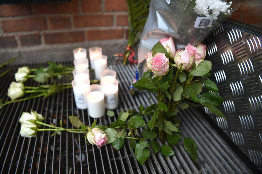 Blommor vid Enskede gårdsgymnasium i södra Stockholm.