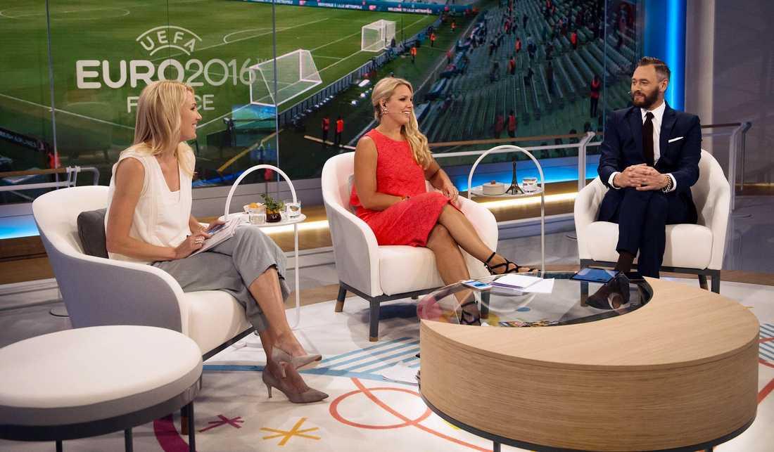 Hanna Marklund, Anna Brolin och Olof Lundh i TV4-studion.