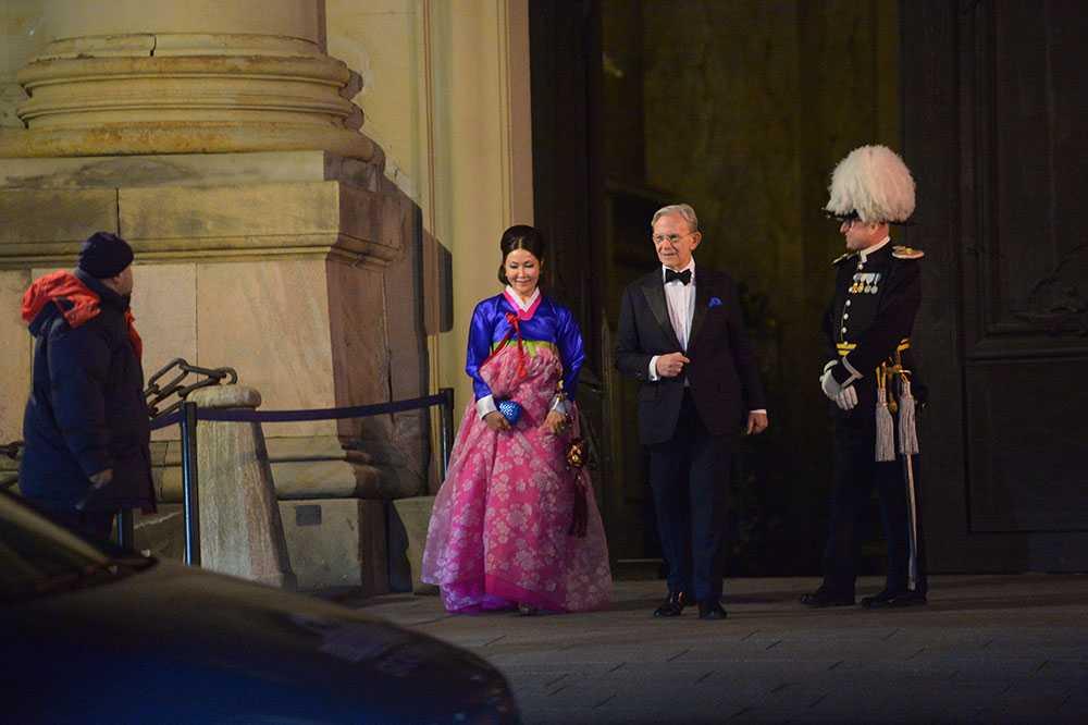 """Kungens barndomsvän Noppe Lewenhaupt lämnar festen och säger att det var """"helt fantastiskt""""."""