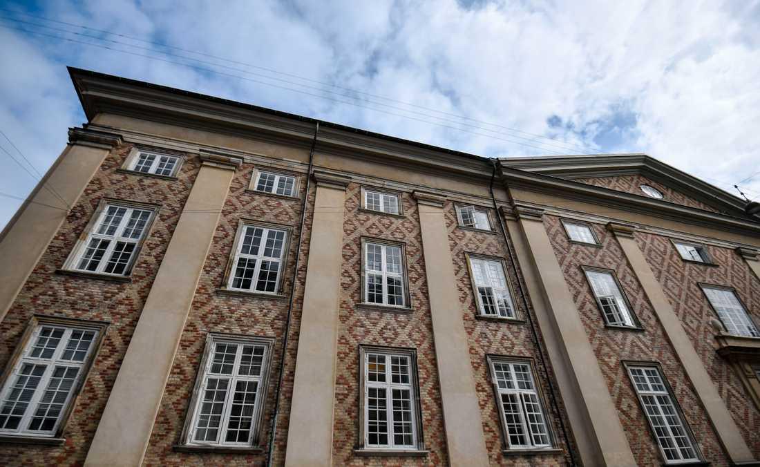 Rättegången mot morddömde Peter Madsen hålls i Østre landsret. Han har överklagat livstidsstraffet från byretten (tingsrätten).
