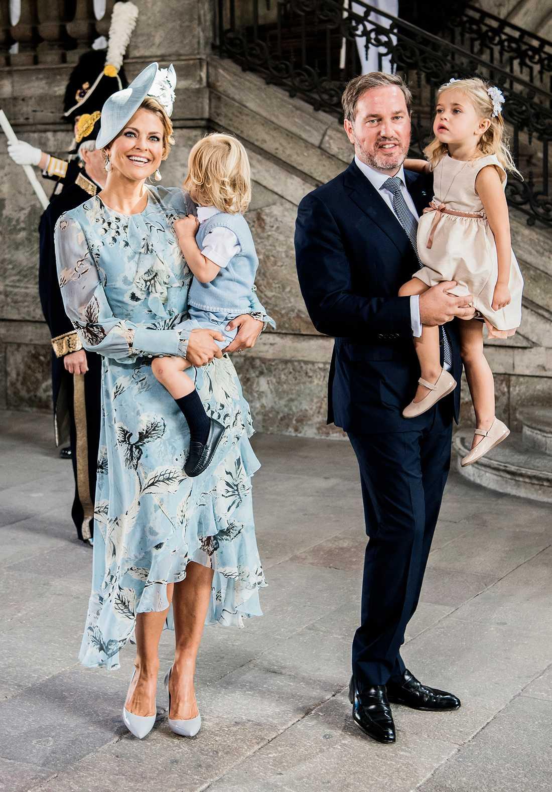Prinsessan Madeleine, prins Nicolas, Chris O'Neill och prinsessan Leonore.
