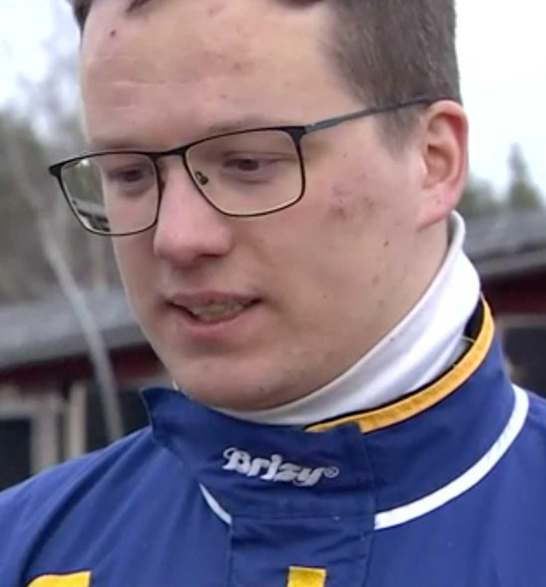 Tränaren Oscar Berglund.