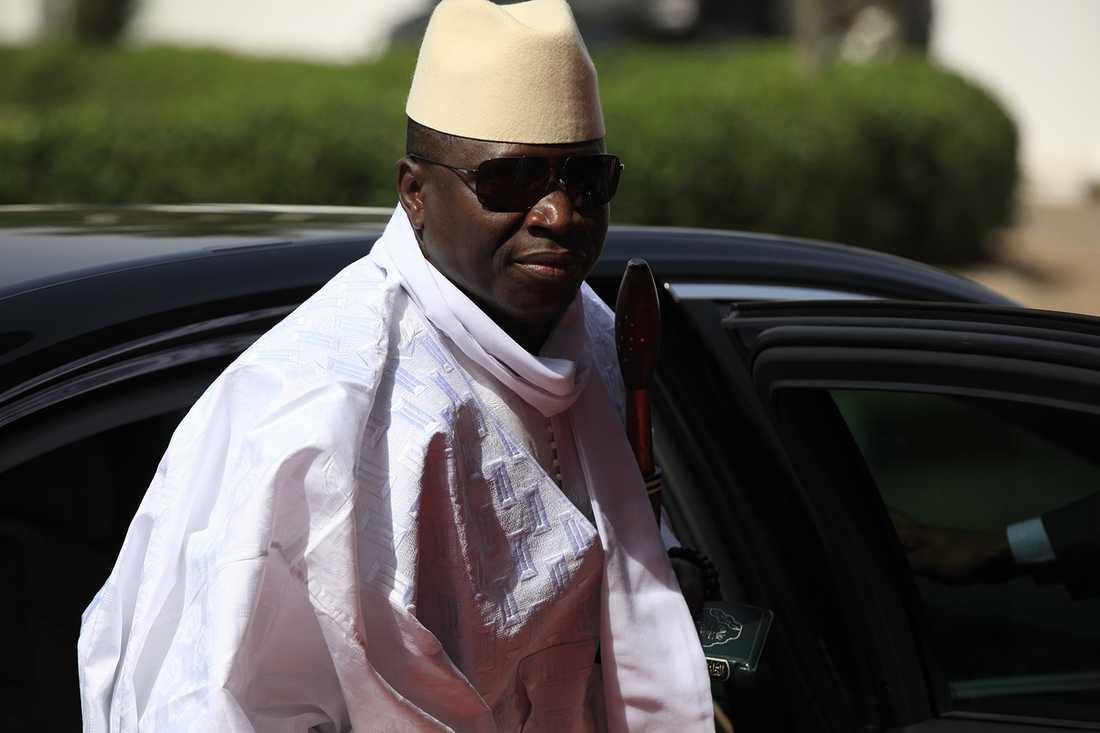 Jammeh vägrar avgå.